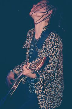 Basically, I want to be Allison Mosshart with less cheetah print. That's all.