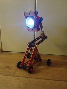 #Bureaulamp #vloerlamp #leeslamp van houten #meccano met fietslicht, verrijd- en verstelbaar