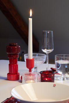 Iittala: Nappula Candleholder, Teema plates, Kastehelmi bowls and votive, Kivi votive, Lempi and Essence Glass Muuto: Plus Grinder Christmas table in red
