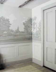 For years I've ached to use scenic grisaille wallpaper in my home. The historically based style, called grisaille due to the use of only shades of grey in the printing and painting, is a look that works in homes both modern and deeply traditional. Fresco, Elements Of Style, Mural Painting, Mural Art, Wall Treatments, Wall Wallpaper, Zuber Wallpaper, White Walls, Interior And Exterior