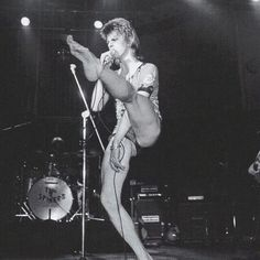 David Bowie on the Ziggy Stardust tour ❤️