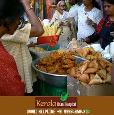 Our India, Nation of Street Food  Would you love the hot street-side Samosas and Pakoras?  KeralaUnani.com