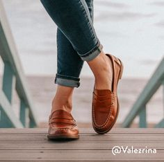 Sperry- Women's Seaport Penny Loafer in Tan Loafers For Women Outfit, Girls Loafers, Loafers Outfit, Sperrys Women, Loafers With Jeans, Tan Loafers, Cowboy Boots Women, Cowgirl Boots, Western Boots