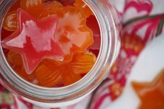 Healthy Sour Gummy Stars (Five Minute Prep) MacCormack Fudge Gelatin Recipes, Candy Recipes, Whole Food Recipes, Snack Recipes, Beef Gelatin, Sour Gummy Candy Recipe, Gummi Candy, Fudge, Fruit Snacks