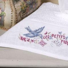Lin : Housse de boîte à mouchoirs « Ne pleure pas Jeannette » à broder au point de croix