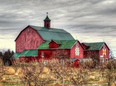 erilor:Red Barn - Prince Edward County, Ontario, Canada More Country Barns, Country Life, Country Roads, Country Charm, Country Living, Interesting Buildings, Farm Barn, Farms Living, Old Houses