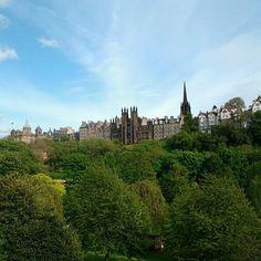 Edinburgh, Scotland Edinburgh Scotland, Monument Valley, Mansions, House Styles, Tips, Nature, Travel, Naturaleza, Viajes