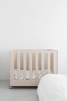 Minimalismi lapsiperheessä | Design Wash Toddler Bed, Furniture, Design, Home Decor, Child Bed, Decoration Home, Room Decor, Home Furnishings