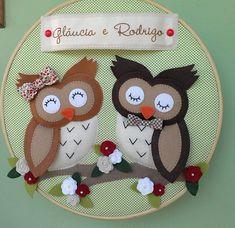 Owl Crafts, Diy And Crafts, Felt Ornaments, Christmas Ornaments, Felt Name Banner, Owl Applique, Felt Brooch, Owl Art, Felt Toys