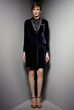 See the complete Valentino Pre-Fall 2012 collection.