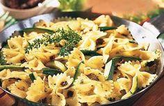 Nudeln mit Zucchini-Sugo