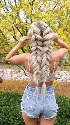 Lovely Hairstyles Ideas For Girl #hairstyleideas #girlhairstyle » aesthetecurator.com