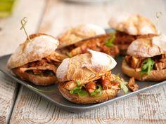Burger - Rezept-Ideen für echte Luxus-Brötchen - schweinebraten-burger  Rezept