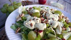 Waldorfský salát obsahuje na proužky nakrájená jablka, na kostičky nakrájený celer, hroznové víno a majonézu, event. majonézový dressing. Salát byl prvně připraven ...