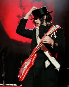 Jack White, musical genius and sexy guitar player