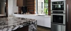 Commercial, Industrial, Residential, and Institutional Buildings Quebec, Villa, Interiores Design, Tiny House, Architecture Design, Kitchen Cabinets, Construction, Buildings, Recycling