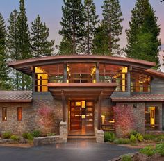 Fachada de casa moderna de campo