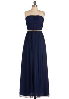 Navy gown, so beautiful!