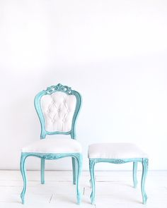 Louis chair - pouf - pastelove - pastels - pastel look - blue and white - rustic - shabby chic - white - linen - french look - shabby chic furniture - chalk paint - provence - old white