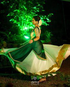 "Drita Photography on Instagram: ""#weddingeve  @liyaaa2010 . .  @dritaphotography  @baldmanstories_drita . ✉️ | dritaphotography@gmail.com ☎️ | 9207272720 #dritaphotography…"" Kerala Engagement Dress, Engagement Dress For Bride, Couple Wedding Dress, Wedding Pics, Kerala Saree Blouse Designs, Wedding Saree Blouse Designs, Half Saree Designs, Gown Party Wear, Party Wear Indian Dresses"