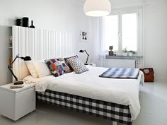 Lovely White Accent Wall Colors Schemes Of Modern Bedroom Design With Queen Size Beds Which Has Sweet Pillows Also Black Polished Bed Lamp On White Nightstand On The Bedside, Finest Beauty Of Neutral Bedroom Colours Schemes : Bedroom, Interior Swedish Bedroom, Scandinavian Bedroom, White Bedroom, Scandinavian Style, Bedroom Modern, Swedish House, Bedroom Small, Master Bedroom, White Bedding