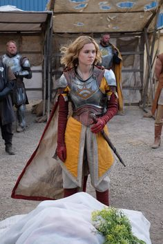 could only look stunning in every scene wearing that armor right? Even at a funeral! Fantasy Female Warrior, Female Armor, Female Knight, Fantasy Armor, Fantasy Women, Armor Clothing, Medieval Clothing, Gypsy Clothing, Steampunk Clothing
