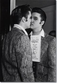 Elvis Presley - January 6th 1957, Warwick Hotel, New York (His last show on the Ed Sullivan Show)