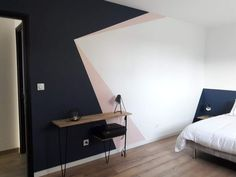 Dazzling Geometric Walls for the Modern Home - Zimmereinrichtung Geometric Wall Paint, Geometric Wallpaper Design, Modern Wall Paint, Geometric Prints, Room Wall Painting, Bed Room Painting Ideas, Creative Wall Painting, Living Room Decor, Bedroom Decor