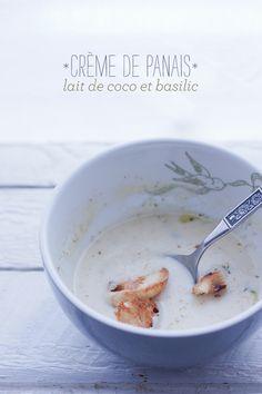 Soupe - Crème de panais, lait de coco et basilic