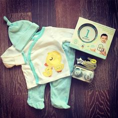 Our Baby Bundle is a monthly subscription box for babies, tailored to their development stages. With real products, never samples, Our Baby Bundle is the best baby shower gift of 2017. www.OurBabyBundle.com #BabyShower #SubscriptionBox #OurBabyBundle