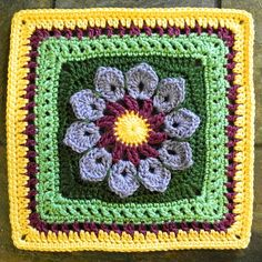 Ravelry: Project Gallery for Simple 10-Petal Afghan Square pattern by Joyce Lewis