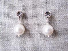 SWAROVSKI crystal & pearl stud earrings by trinkjewelry