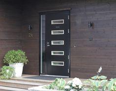 #outdoor #blackoutdoor #mustaulkoovi #ulkoovi #hirsitalo #hirsiseinä #modernihirsitalo