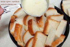 어느날은 없어서 못먹다가.. 어느날은 너무 남아 돌아 문제인 식빵-유통기한은 왜그리 짧은지..ㅎㅎ집에 유통기한 간당간당 식빵이 있어 브런치로 만들어본치즈 브래드 푸딩이에요~^^ [재료] - 2인분량식빵 4장우유 150ml, 설탕 1스푼, 소금 살짝, 계란 1개, 후추 약간모짜렐라치즈 2줌, 연유, 파슬리 약간 우선 식빵을 4등분해서 오븐사용이 가능한 용기에... No Cook Meals, Kids Meals, Easy Meals, Easy Cooking, Cooking Recipes, Baby Food Recipes, Dessert Recipes, Tasty, Yummy Food