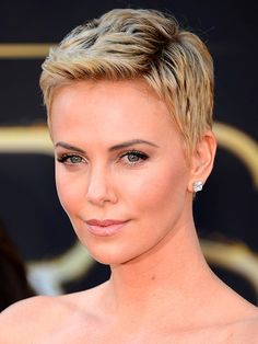 Charlize Theron's rocks pixie cut
