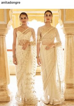 White net saari to rock in the summer 😍😍 Indian Wedding Gowns, Indian Dresses, Indian Outfits, Desi Wedding, Indian Clothes, Wedding Dress, Saree Gown, Chiffon Saree, Lehenga Choli