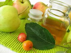"""The difference between apple cider and apple cider vinegar boils down to the whole """"vinegar"""" thing. The use of """"cider"""" in vinegar products is a little tricky. Apple Health Benefits, Apple Cider Benefits, Home Remedies For Skin, Natural Home Remedies, Homemade Energy Drink, Vinegar For Hair, Organic Apple Cider Vinegar, Natural Treatments, Clean Eating"""