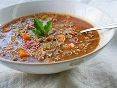 Smoky Lentil & Quinoa Soup - The Simple Veganista Whole Food Recipes, Soup Recipes, Vegetarian Recipes, Cooking Recipes, Healthy Recipes, Bowl Of Soup, Soup And Salad, Healthy Soup, Healthy Eating