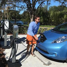This is the way people will fuel their cars soon!!! The US is the largest electric cars market of the globe followed by China and Japan. European sales are led by Norway where 1 in every 100 cars on the roads is electric. Nissan Leaf (the picture's car) is the world's all-time best selling electric vehicle.  #siliconvalley #california #technology #tech #hightech #innovation #innovate #inspiration #ambition #creativity #creative #business #businessopportunity #entrepreneur #entrepreneurship…