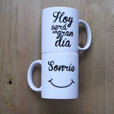 Taza Sonríe, hoy será un gran día. Taza con superpoderes para comenzar cada día como se merece: con una sonrisa.