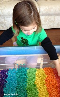 Two easy recipes to color white beans for a colorful sensory tub.