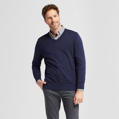 Bring extra comfort to all of your looks with the versatile V-Neck Sweater from Goodfellow & Co.™ This simple, lightweight sweater is a great option when the weather starts to turn colder — with the classic V-neck construction, just layer under a casual T-shirt or dress it up with a button-down shirt.