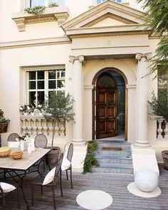 I want this front door!