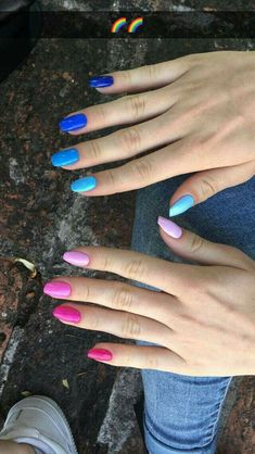 Semi-permanent varnish, false nails, patches: which manicure to choose? - My Nails Dream Nails, Rainbow Nails, Cute Acrylic Nails, Perfect Nails, Pink Nails, Gradient Nails, Natural Nails, Nails Inspiration, Beauty Nails