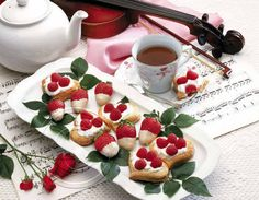 Red raspberries and tea leaves may affect your blood sugar. Different Kinds Of Cakes, Red Raspberry Leaf, Phyllo Dough, Mascarpone Cheese, Strawberry Dip, Tea Benefits, Complete Recipe, Sweet Pastries, Food Design