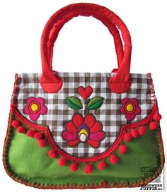 Folk-art BAG of felt.  By Handwerkjuffie.
