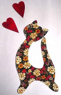 Aplique de gato com 2 corações para aplicar em camisetas. Termocolante…
