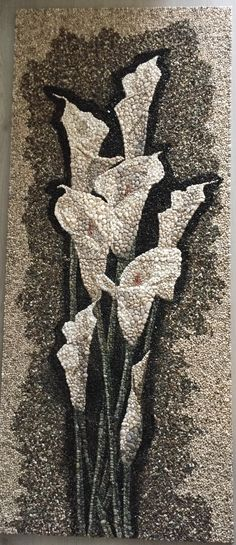Pebble art could do with beans etc Pebble Mosaic, Pebble Art, Stone Crafts, Rock Crafts, Mosaic Artwork, Rock And Pebbles, Mosaic Garden, Mosaic Pots, Rock Design