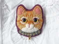 茶トラ猫の毛糸刺繍のブローチ2匹目