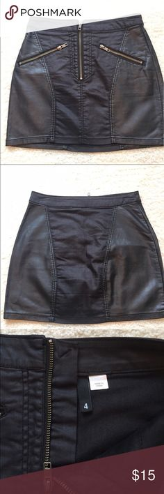 H&M Faux Leather Zip Up Mini Skirt Super cute mini, can be dressed up or down. In great condition. Never worn personally as is a re-posh (a little tight on me), but still obsessed. Previous owner wore only once. Size 4, however, H&M size runs small so should better fit a 2 or 0. H&M Skirts Mini